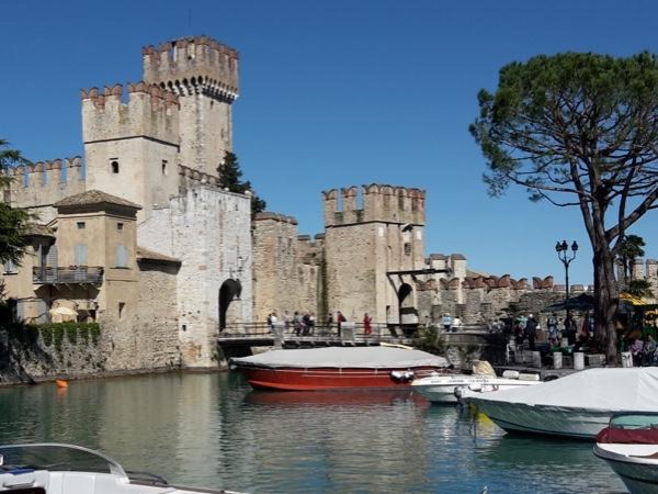 Private Half Day Guided Tour in Sirmione on Lake Garda