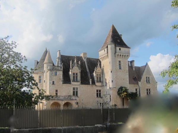Guided Private Tour - Castles and Prehistoric Cave Art