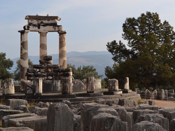 Delphi private full day tour