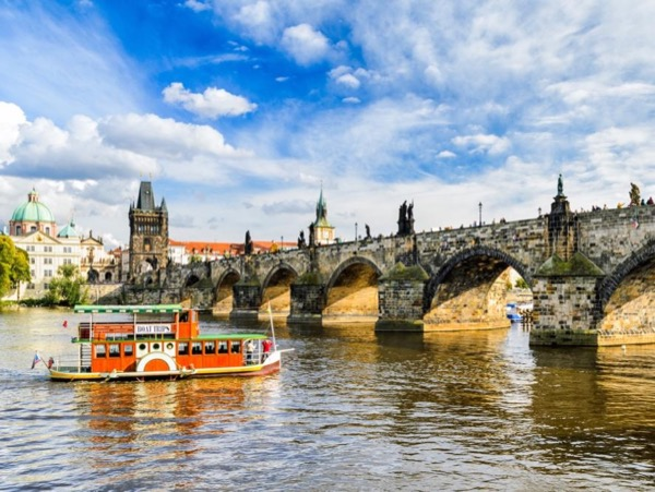 Full Day Prague Walking Tour (5 hours)