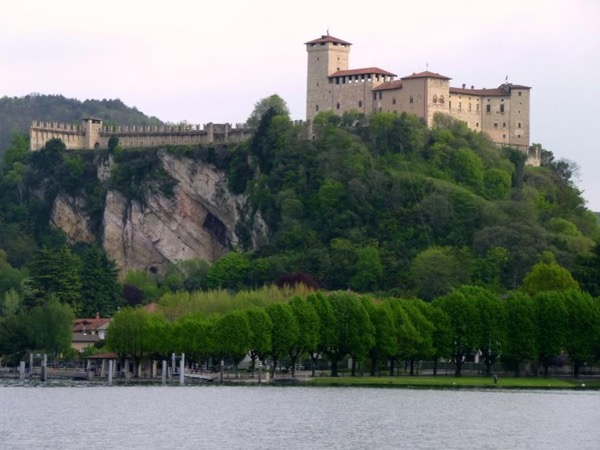 Lake Maggiore special tour: the Fortress of Angera and the picturesque town of Arona