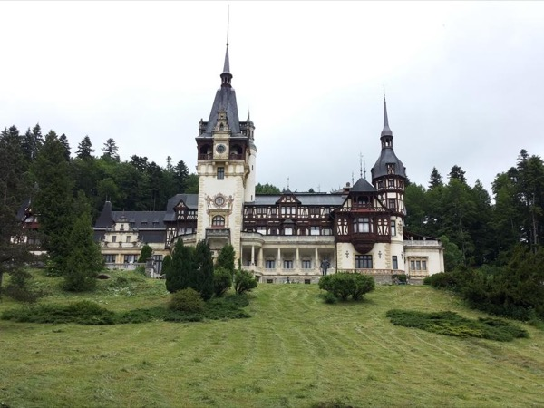 Day Trip to Sinaia Private Tour - a beautiful drive on the Prahova Valley