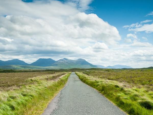 Cliffs Of Moher, Burren, Galway & West Atlantic Coast Day Tour From KIllarney or Tralee