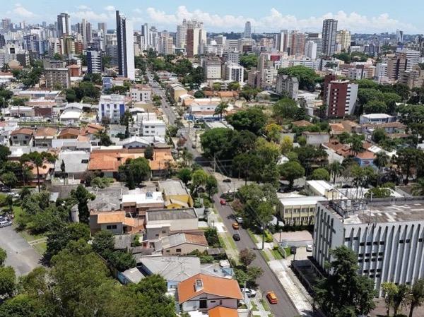 Curitiba - A First Contact