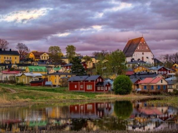 Helsinki Highlights & Visit to Porvoo Old Town