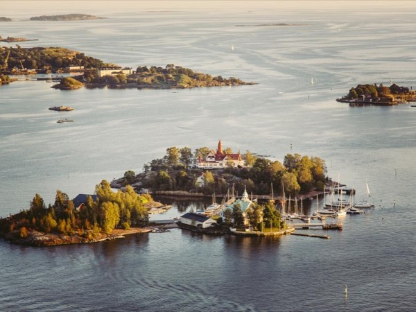Helsinki Island Hopping & Finnish Sauna by Baltic Sea