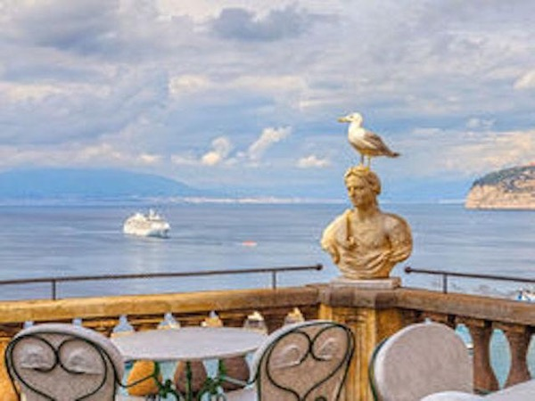 Private Luxe Speedboat Excursion from Sorrento to Capri - Full Day!