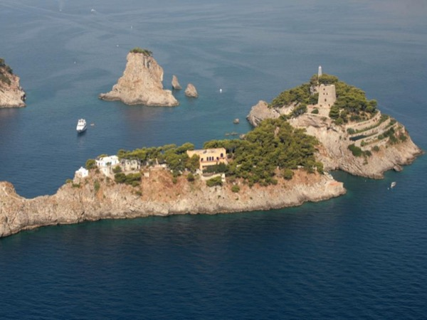 Private Boat Excursion from Amalfi Coast to Capri - Full Day!