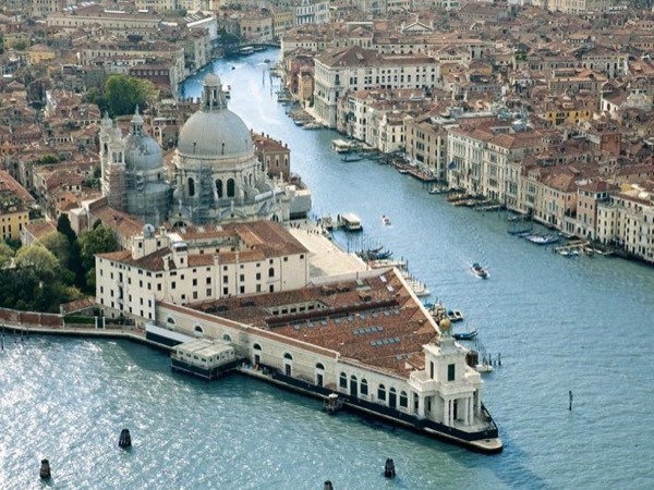 Contemporary art: Pinault Foundation at Punta della Dogana and at Grassi Palace - Private Tour
