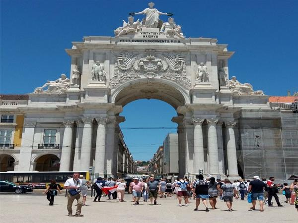 A Short Introduction Tour of Lisbon in 3 Hours