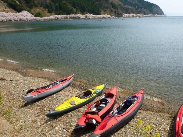 Kayaking and Onsen tour in Northern lake Biwa