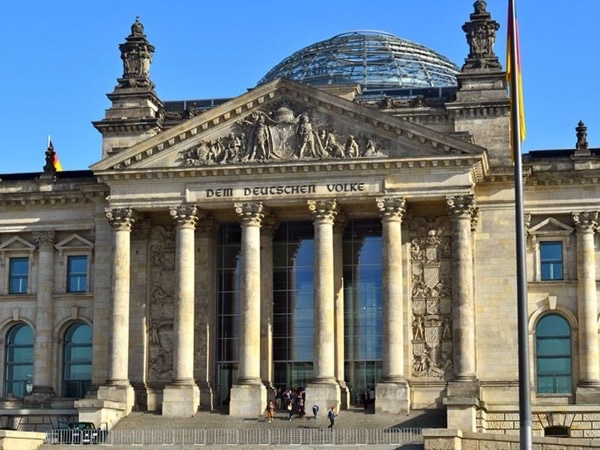 Discover Berlin - Private walking tour