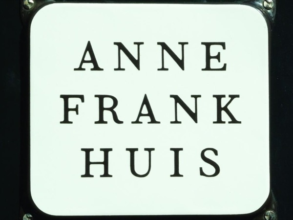 City walk with Anne Frank House