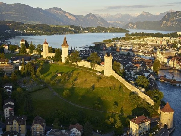 Guided city walk of Lucerne and its fortifications (3h)