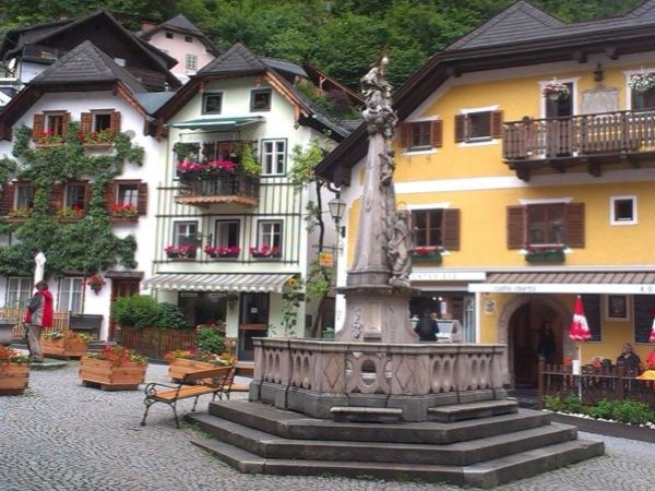 Hallstatt, Lakes District and Do-Re-Mi - private tour