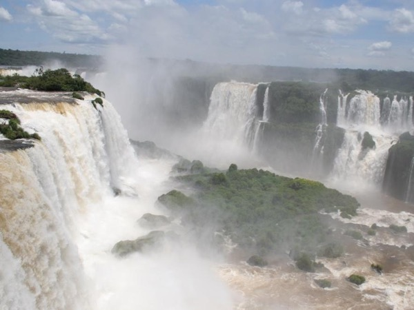 Enjoy the best of the Iguassu Falls in two days with a private guide!
