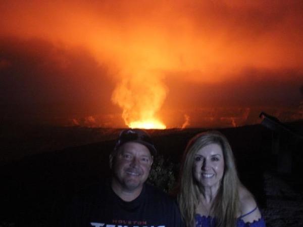 Kona Coast: Twilight Adventure to Volcanoes National Park, Hilo & Waterfalls - 11 Passenger Mercedes van