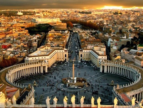 Vatican VIP Tour: Cabinet of Masks, Museums, Sistine Chapel and Basilica