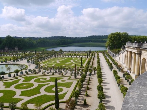 Full day in Versailles : the royal palace and Marie-Antoinette's property