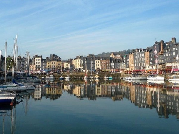 Day trip to Normandy : Rouen, Honfleur and Deauville beaches