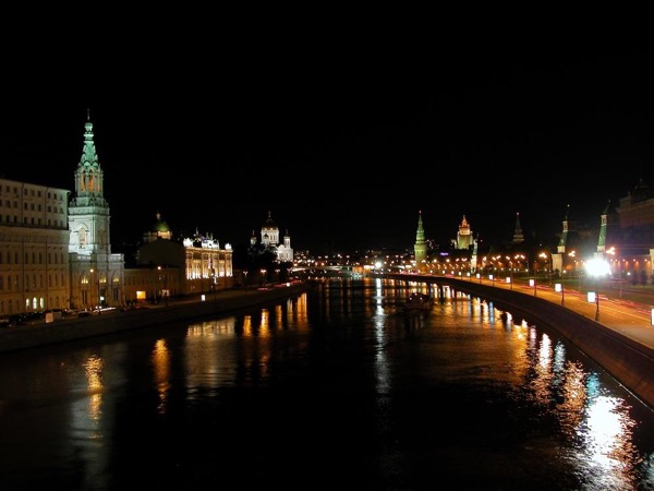 Moscow at night. Private Comfortable Tour by car