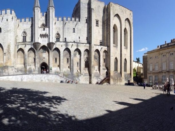 Aix en Provence and Avignon - Private Tour - 8 hours