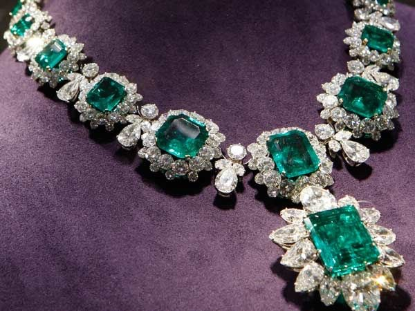 Colombian Emerald and shopping Tour.