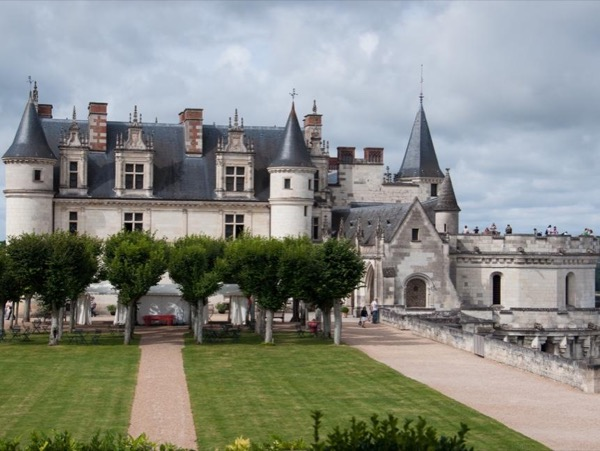 Loire Valley Castles 12-Hour Tour