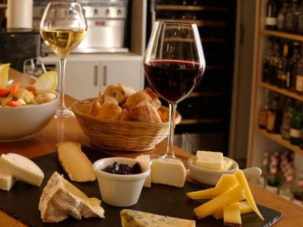 Exclusive Bordeaux Tour and Wine Tasting