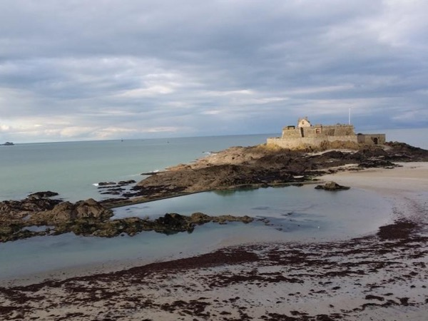 Visit Mt St Michel and St-Malo from Rennes with a driver-guide