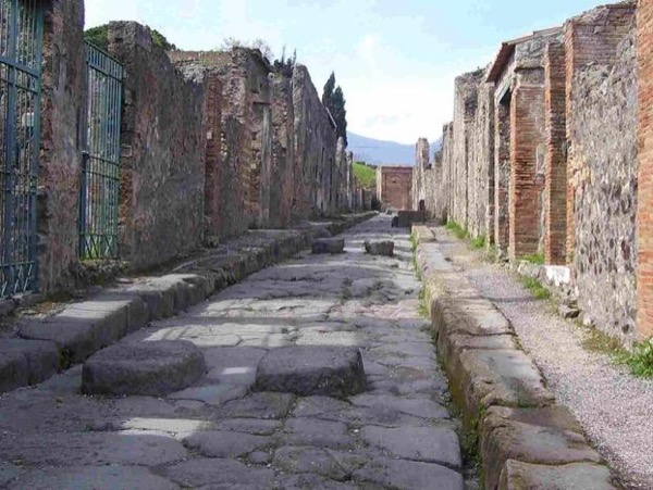 Pompeii and Herculaneum walking tour