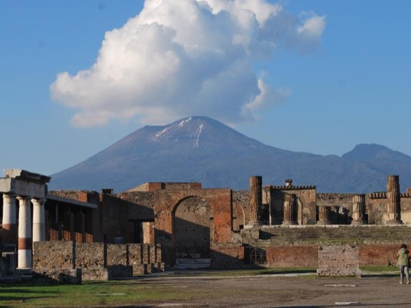 Pompei private tour with private transportation