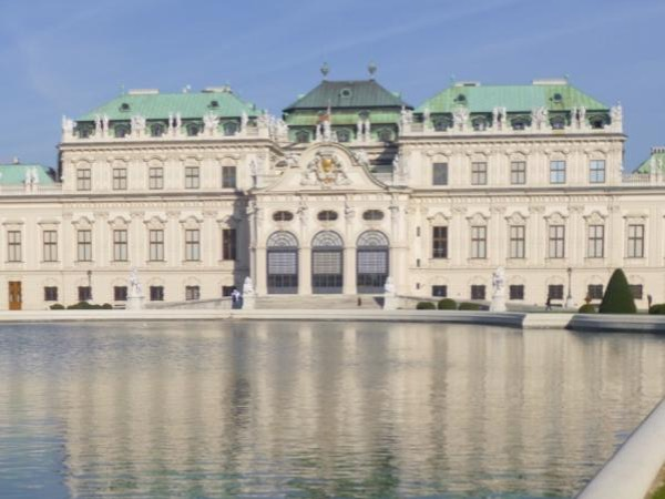 3 hours - Half day private guided city tour in Vienna
