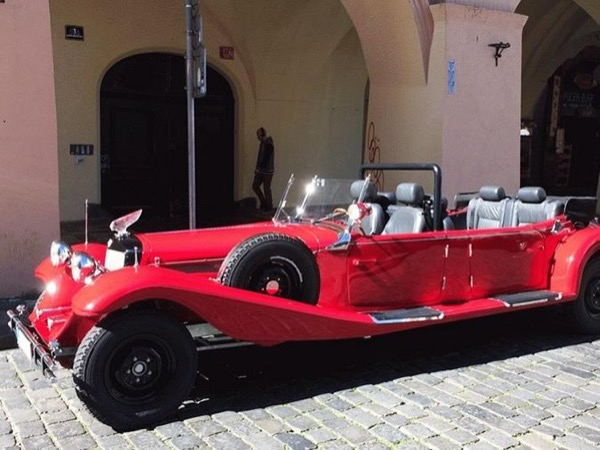 Prague Vintage car private tour