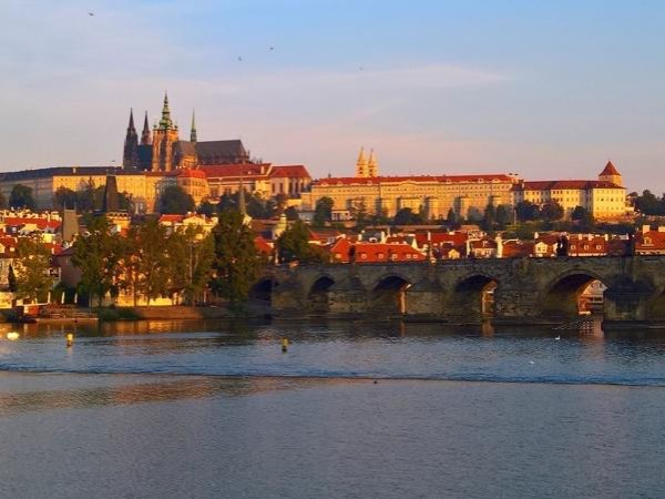 Prague Grand City Private Tour by car