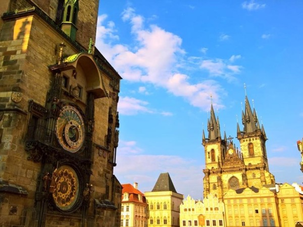 Comfortable Prague visit by car - private tour
