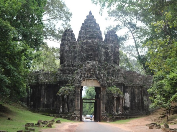 Angkor Discovery four Day Visit + Floating Village