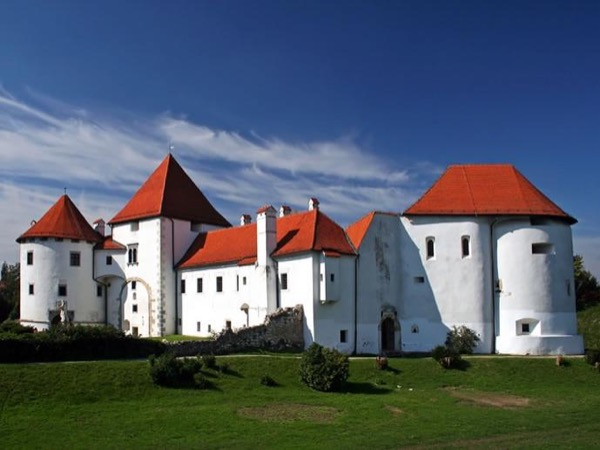 Varazdin & Trakoscan Private Guided Tour