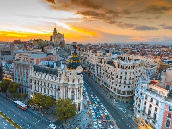 Madrid Private Tour with a Limousine