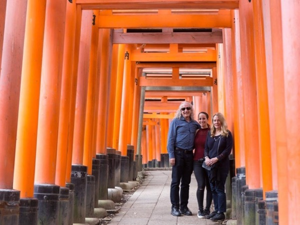 Kyoto highlights private tour with a guide/photographer