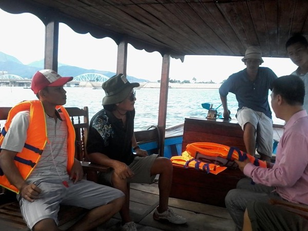 Hoi An Sunset Boat Trip and Sea Food BBQ Private Tour