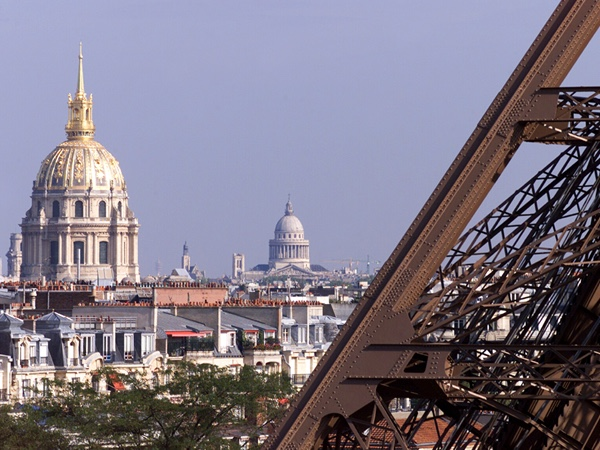 Paris private full day tour with Eiffel tower tickets and a Seine River cruise