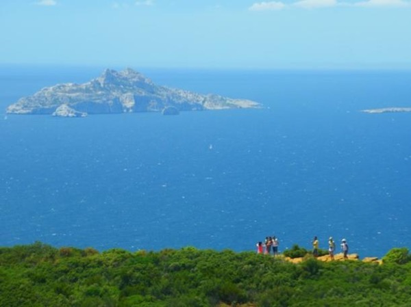 Toulon shore excursion: The calanques, the scenic crest road, Aix en Provence and Cassis