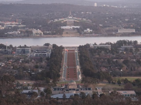 Captivating Canberra Tour for 2 Days and 1 Night.