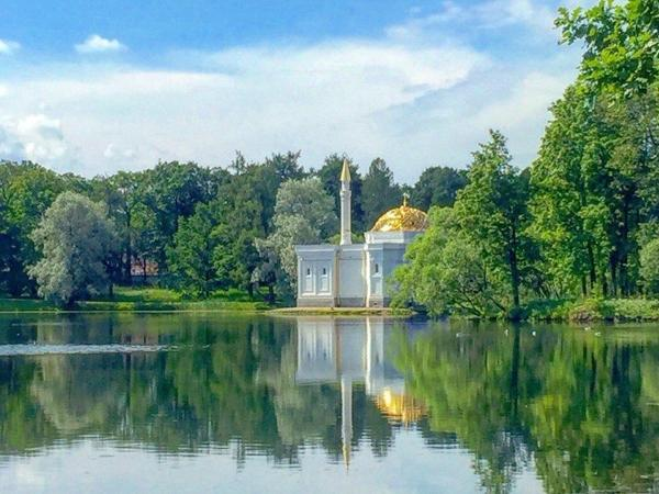 Two-Days Basic Shore Tour of St. Petersburg (with Catherine's Palace or Peterhof Grand Palace)