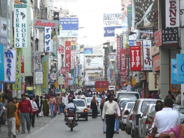 A Shopping Tour of the Streets and Malls of Bangalore.