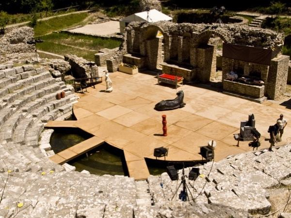Experience all the gems of Saranda, Butrint and Blue Eye with your Private Guide