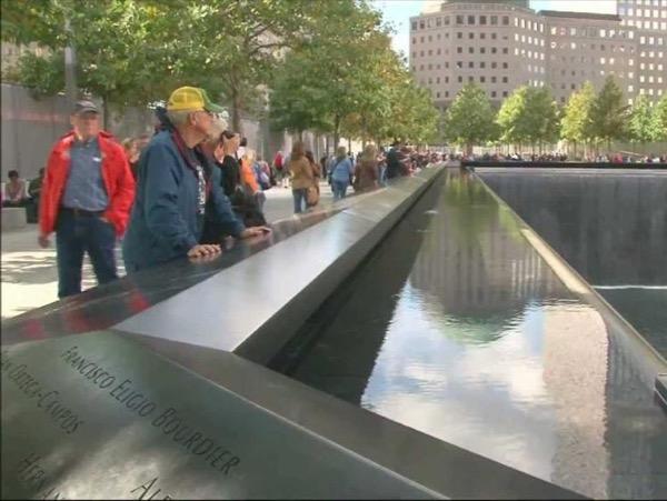 Lower Manhattan + 9/11 Memorial Walking Tour