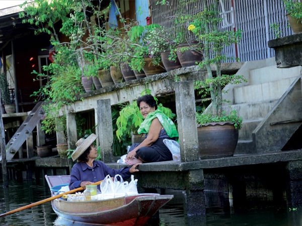 Combo 3 tours Train market- Damnoen Saduak Floating Market - Ayuttaya World Heritage