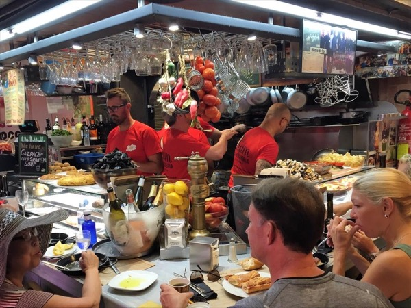 4h Private Gourmet-Foodie Exclusive Private Tour in Barcelona